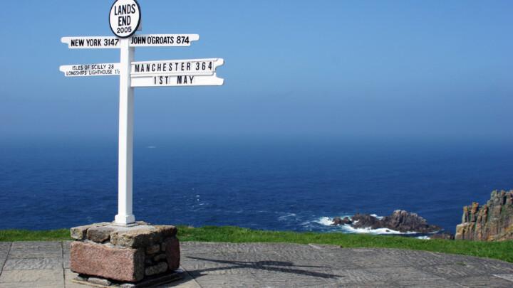 Land's End to John o' Groats sign